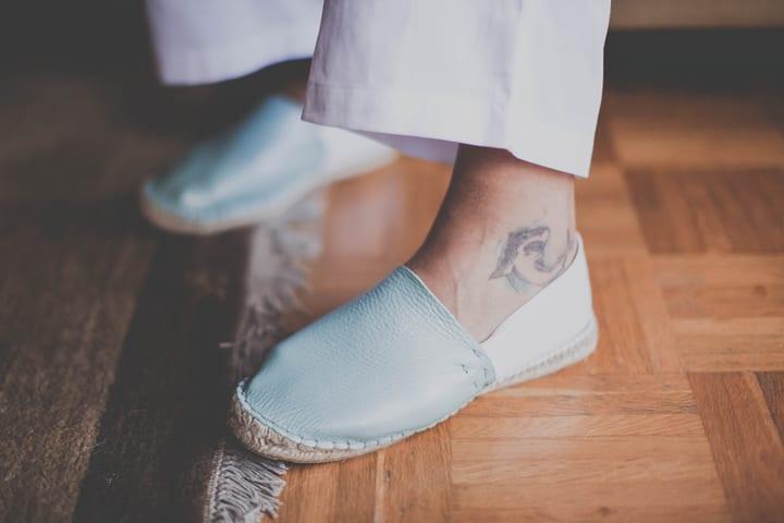 boda-hippy-rustica-alpargatas-calzado-novio-20eventos-wedding-planners