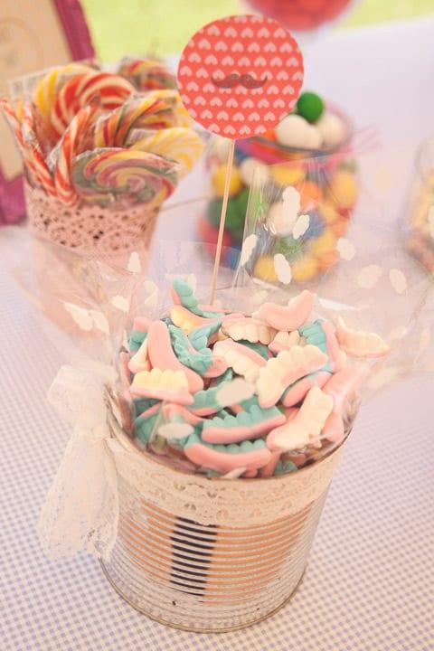 dcandy-bar-vintage-bodas-coloridas-flores-papel-pom-poms-20eventos-wedding-planners-san-sebastian