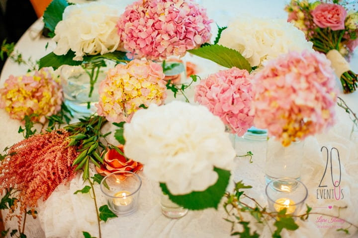 decoracion-flores-bodas-centros-mesa-hortensias-20eventos-wedding-planners-san-sebastian.jpg