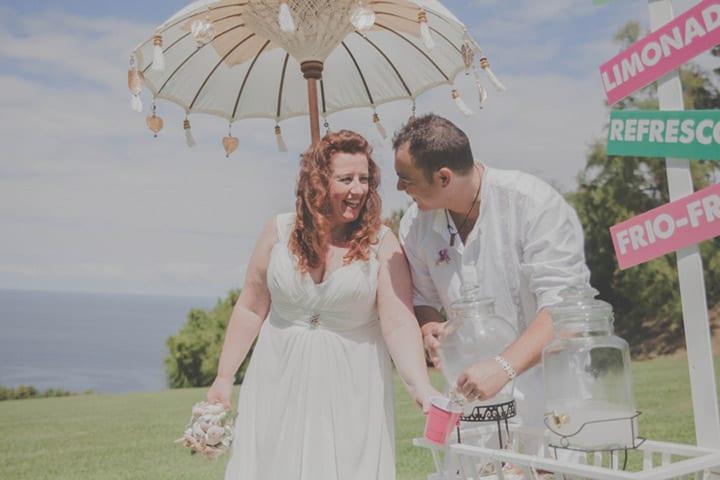 mesa-limonada-lemonade-corner-boda-ibicenca-boda-hippy-rustica-alegre-colorida-20eventos-wedding-planners-san-sebastian