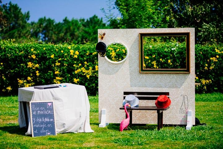 photocall-vintage-photobooth-polaroid-diversion-bodas-decoracon-hotel-gudamendi-20eventos-wedding-planners-san-sebastian