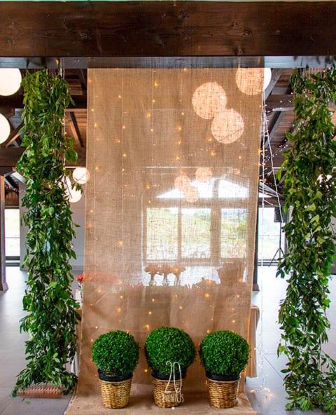 20eventos-wedding-planners-san-sebastian-bodas-gipuzkoa-decoracion-comedor-flor-colgante-katxina-bodega-txakolindegi